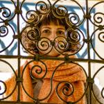 Veronika bakom galler